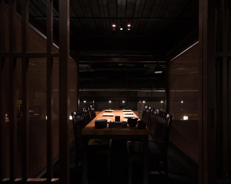 小倉の贅沢空間でこだわりの料理が愉しめる居酒屋【焼鳥酒膳 鸞「らん」】